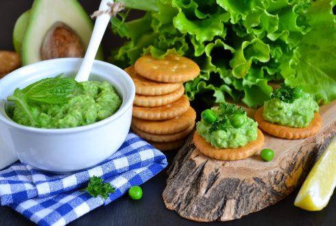 Мятный паштет из зеленого горошка